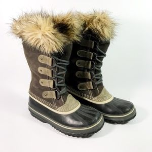 Sorel Joan of Arc Boots.